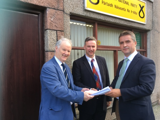 Angus receiving ETV petition Aug 16.JPG